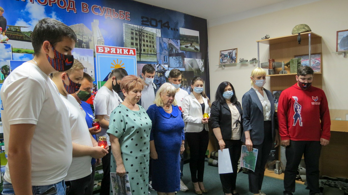 В ЛНР состоялись памятные мероприятия к 7-й годовщине авиаудара ВСУ по центру Луганска 8