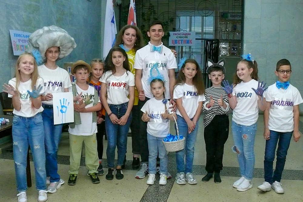 Детей поздравили с Международным днём защиты детей в разных городах ЛНР 8