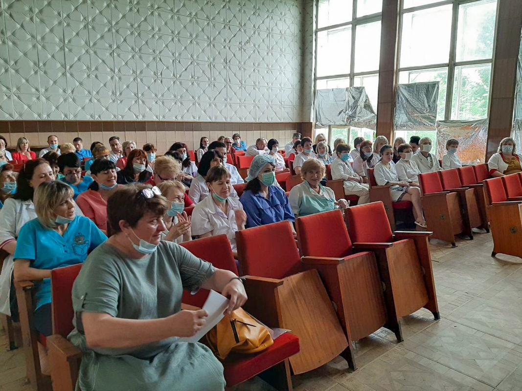 Ирина Андрух и Анна Мосина поздравили медицинских работников с профессиональным праздником