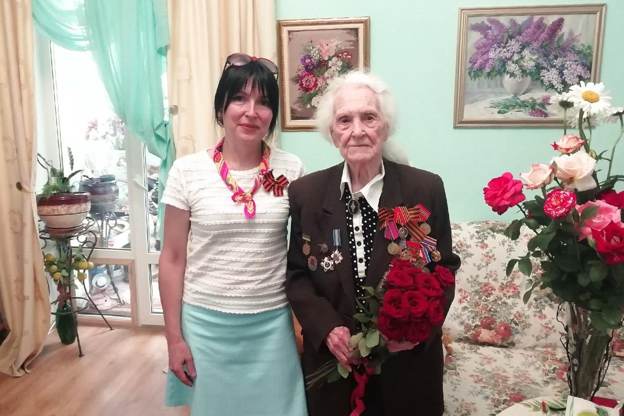 Ветеранов в Луганске поздравили с днём рождения