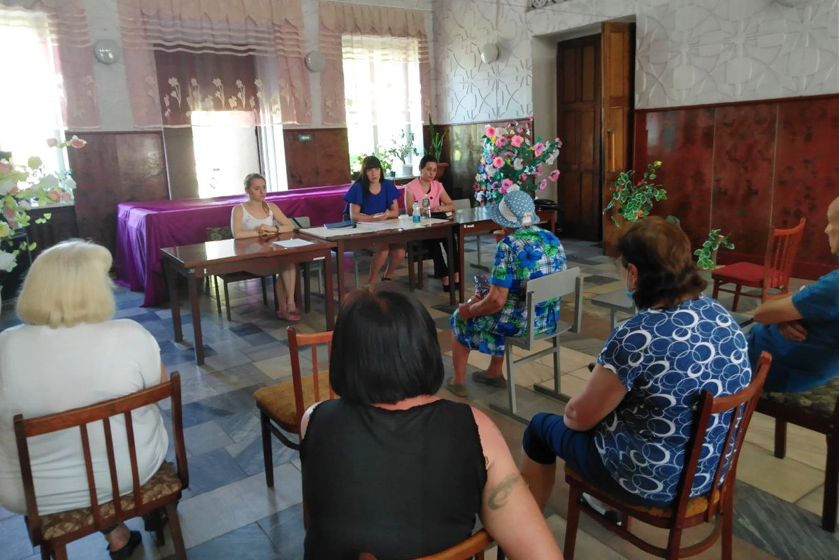 Светлана Хворостян в рамках проекта «Парламентский час» встретилась с жителями посёлка Замковка города Брянки