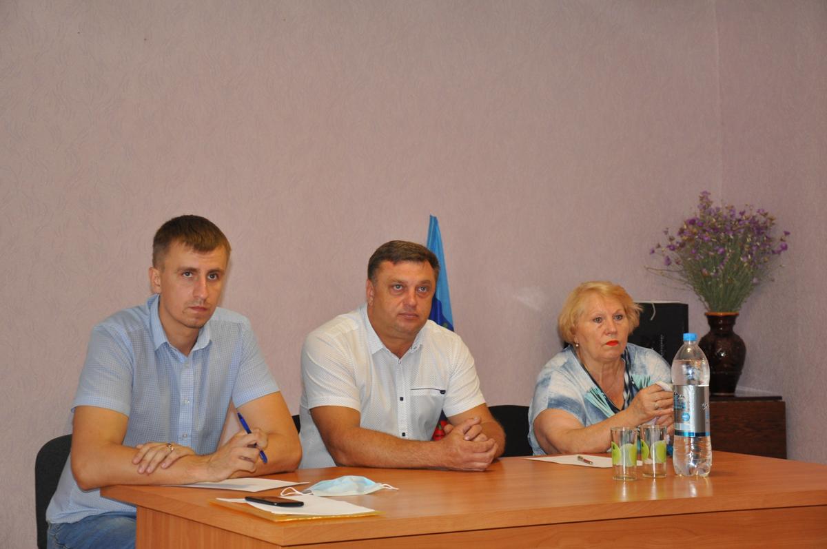 Помощник депутата в рамках проекта «Парламентский час» встретился с жителями поселка Володарск