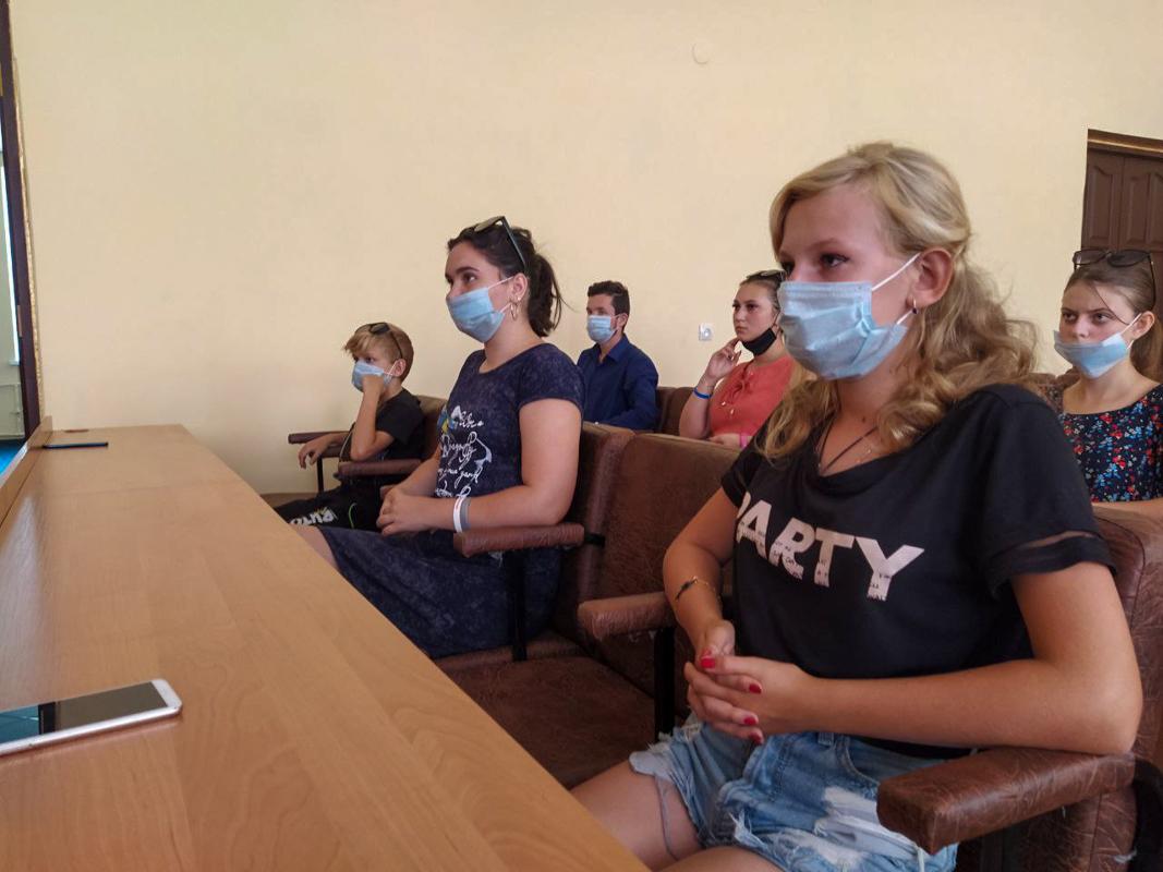 Важность рабочих профессий в Перевальске обсудили с молодёжью  3
