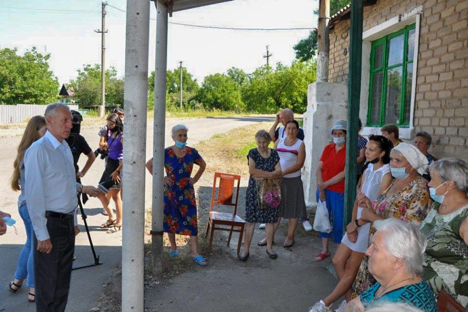 В рамках проекта «Парламентский час» депутаты встретились с жителями Ирмино 1