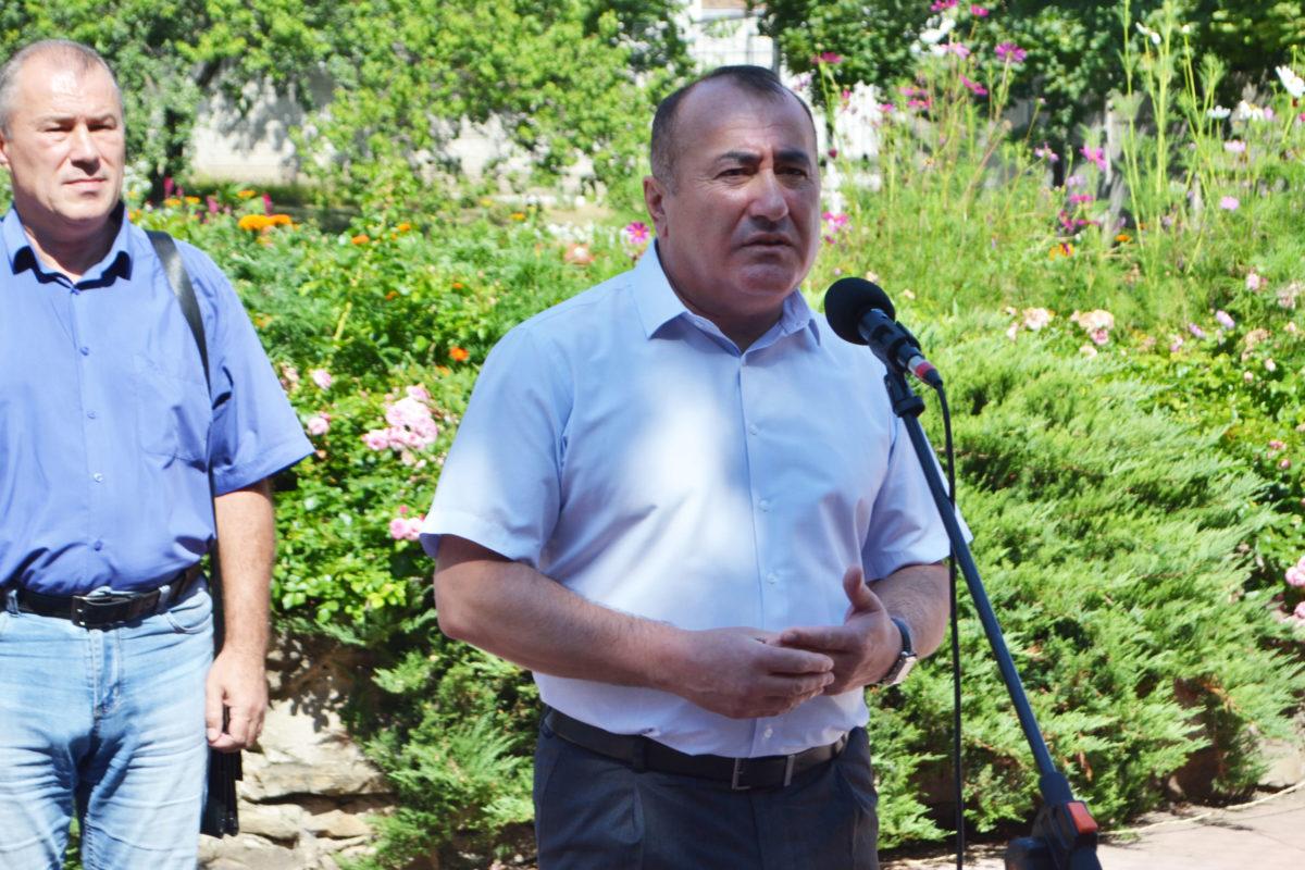 В Луганске почтили память погибших от обстрелов ВСУ подопечных гериатрического интерната 2