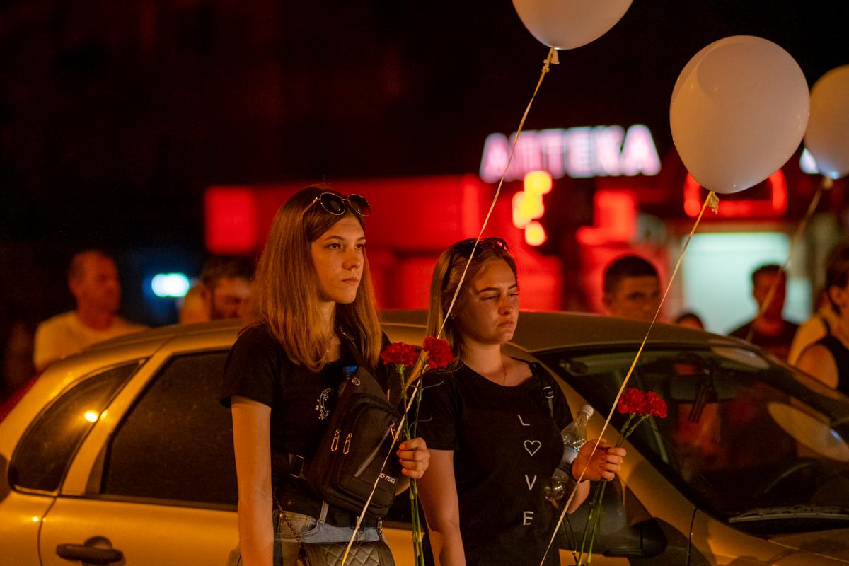 В Луганске почтили память погибших на перекрёстке квартала Солнечный в 2014 году 4