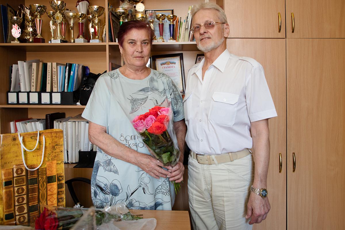 Депутат Юрий Теликанов поздравил с 73-летием мастера спорта СССР международного класса