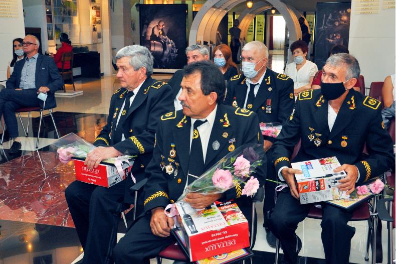 В Свердловске чествовали ветеранов шахтерского труда