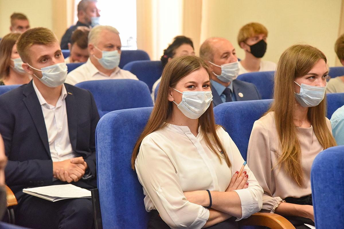Леонид Пасечник встретился с участниками ОД «Мир Луганщине» 5