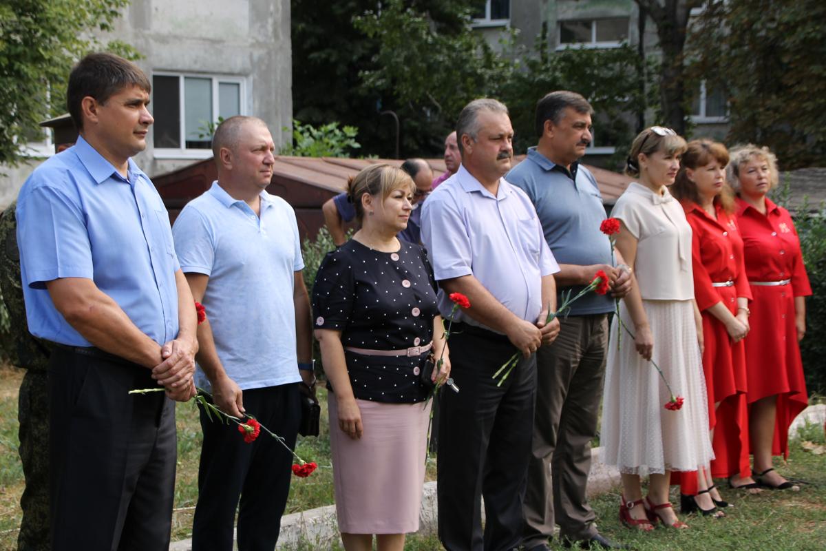 Память жертв украинской агрессии почтили в Антраците 2