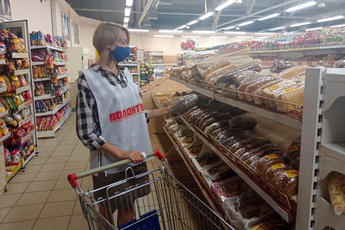 Волонтёры акции «Рука помощи» помогли двум жителям Алчевска