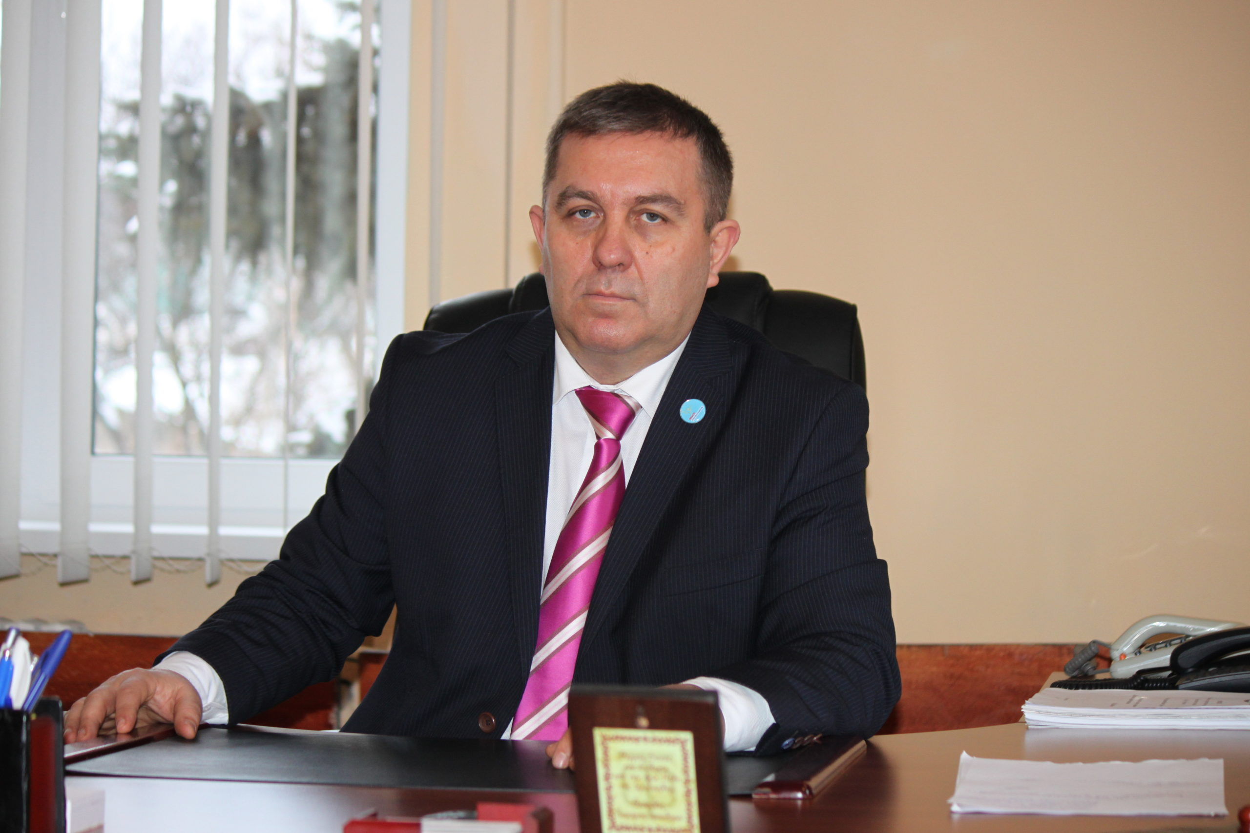 Председатель Перевальского теротделения ОД «Мир Луганщине» провёл приём граждан