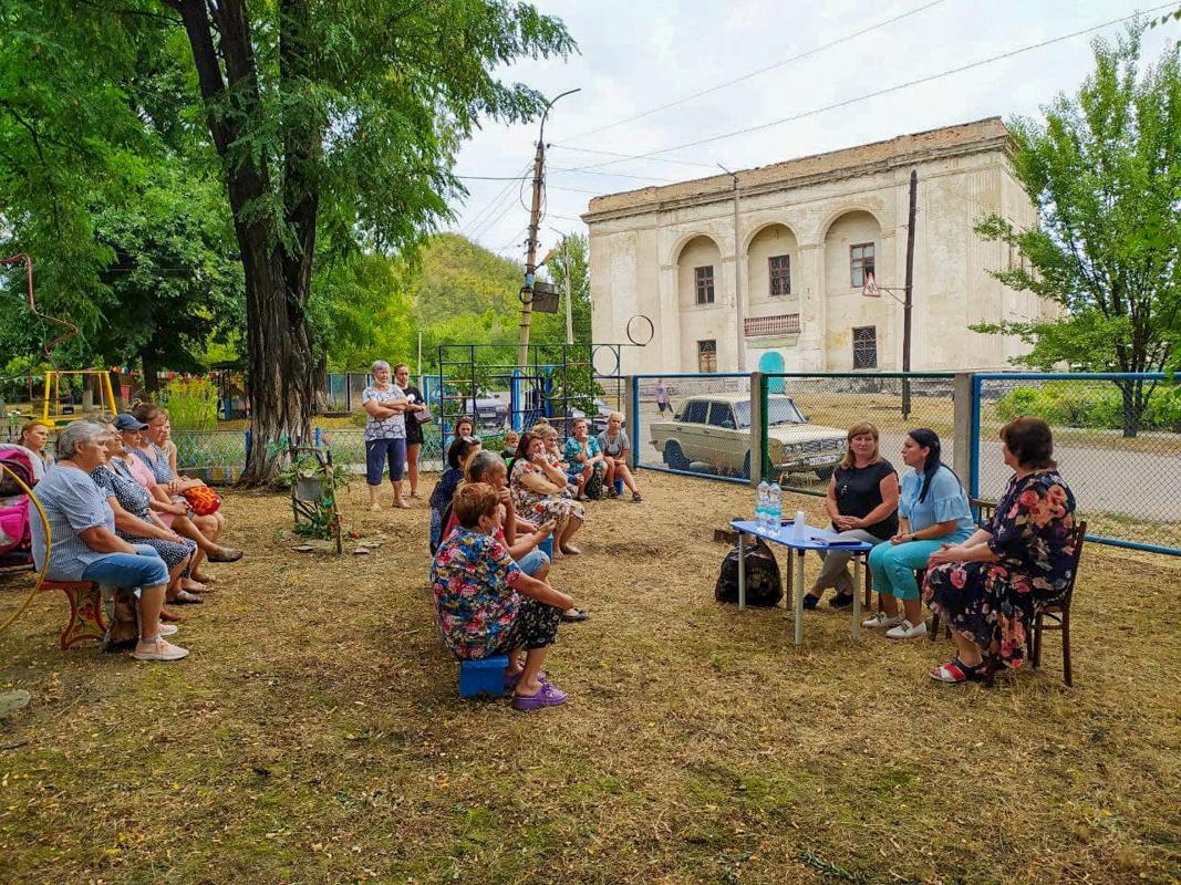Депутат Елена Фарахова провела встречу с жителями посёлка Сокологоровка в рамках проекта «Парламентский час»