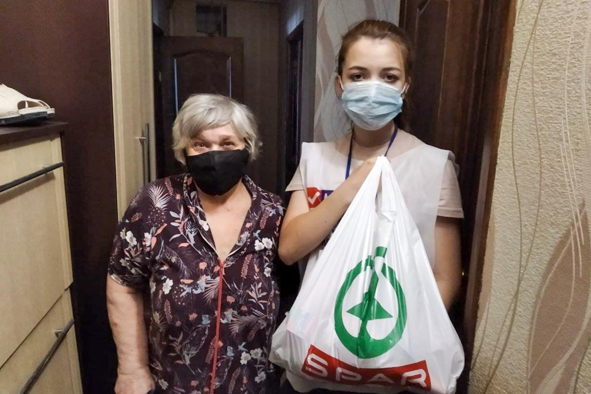 В ЛНР волонтёры за неделю помогли 11 гражданам
