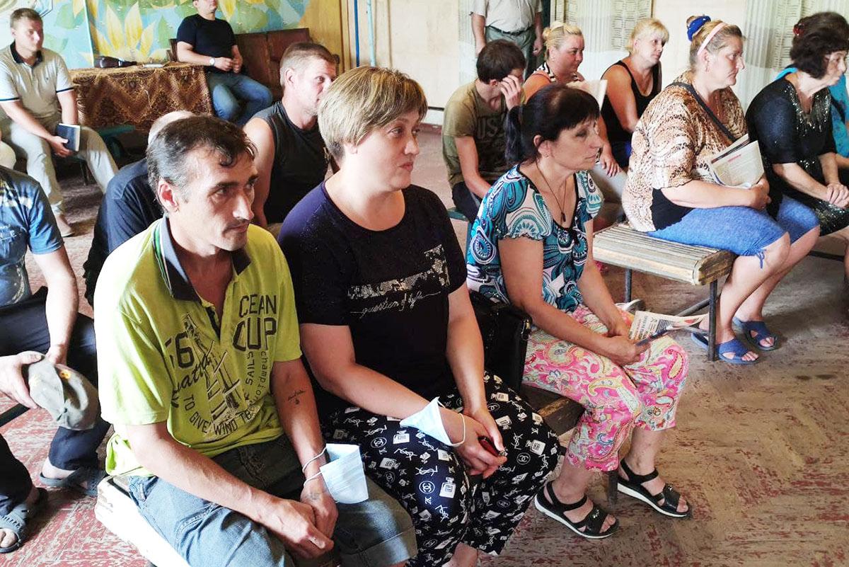 Денис Мирошниченко встретился с жителями Червоногвардейского 3