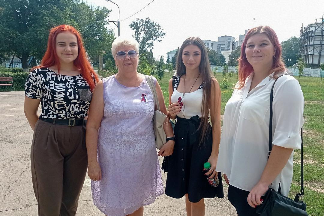 В городах ЛНР отметили День Государственного флага Российской Федерации 10