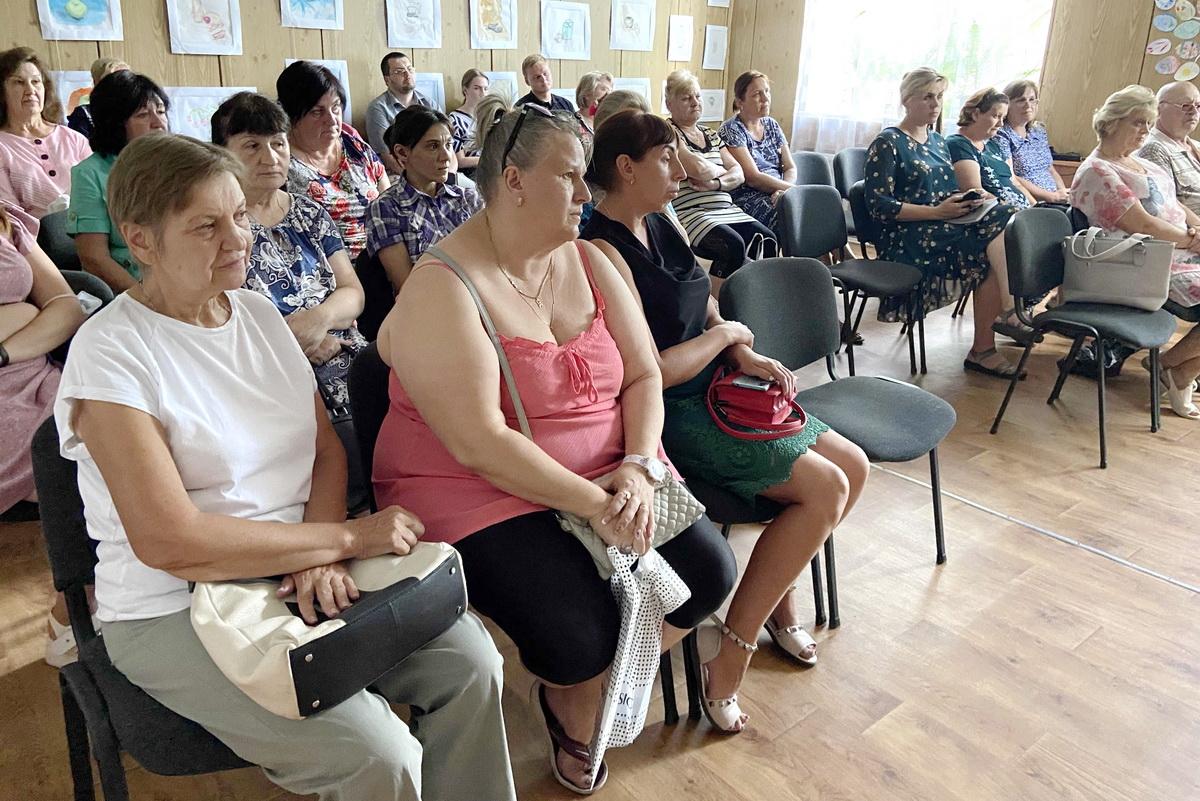Денис Мирошниченко встретился с жителями поселка городского типа Белореченский Лутугинского района 1