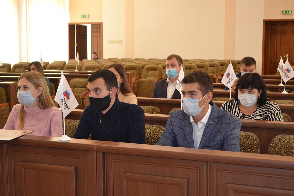 Депутаты Молодёжного парламента ЛНР отчитались о деятельности за третий квартал 2021 года 4
