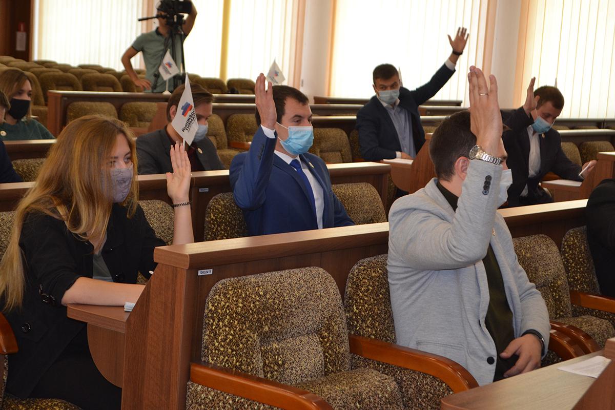 Депутаты Молодёжного парламента ЛНР отчитались о деятельности за третий квартал 2021 года 2