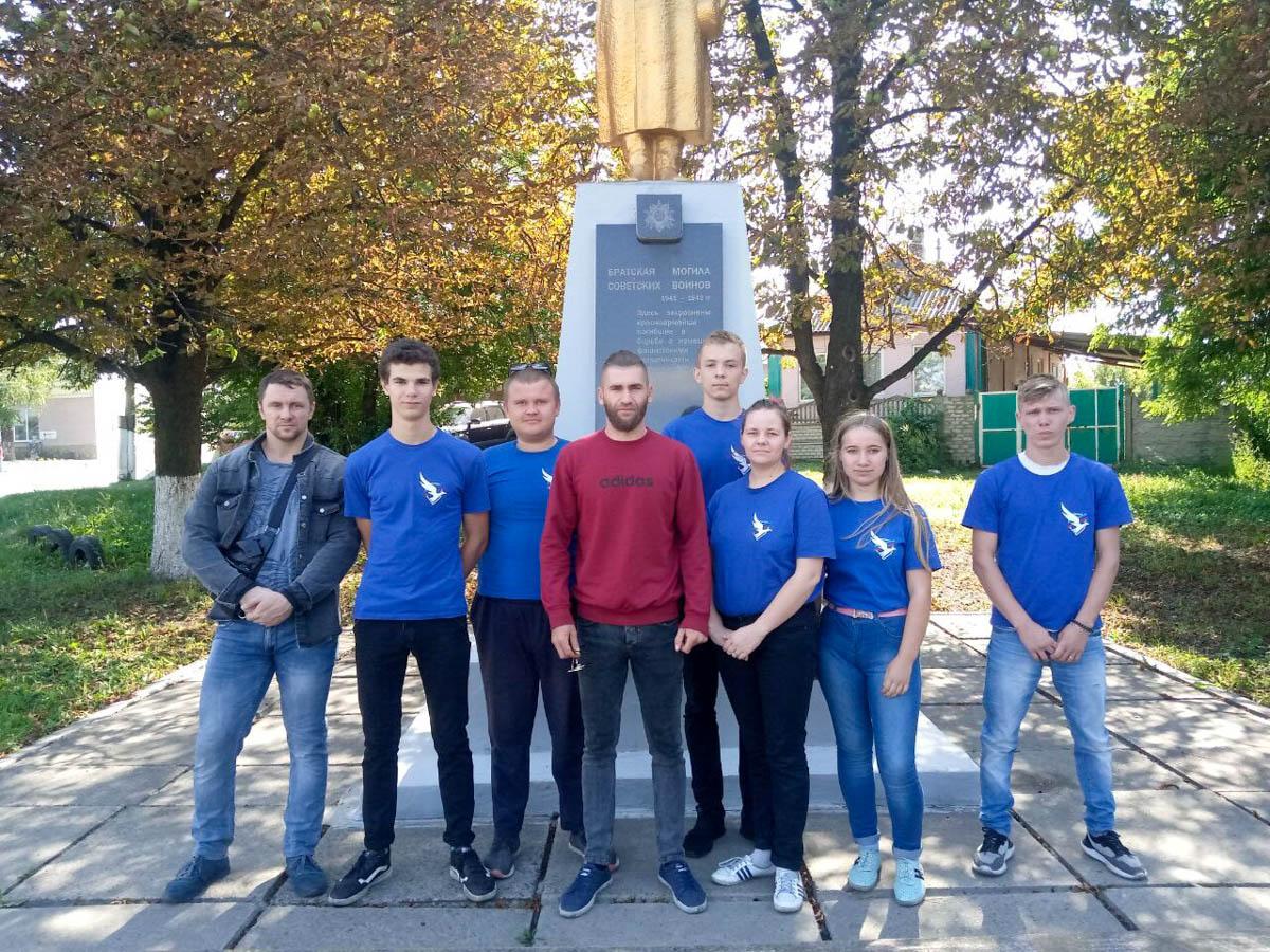 В городе Ровеньки почтили память Неизвестного солдата – защитника Луганской Народной Республики