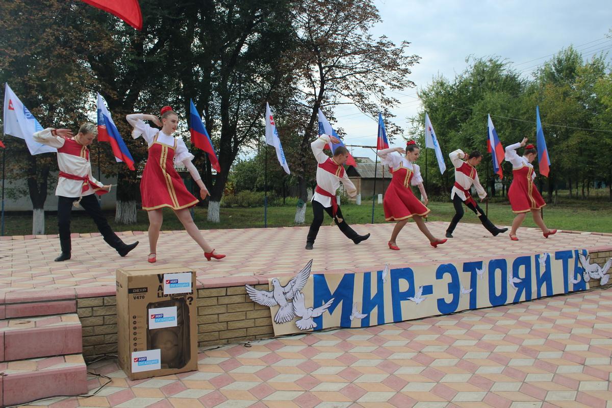 Аудиосистему для Дома культуры получили жители посёлка Лотиково от ОД «Мир Луганщине»