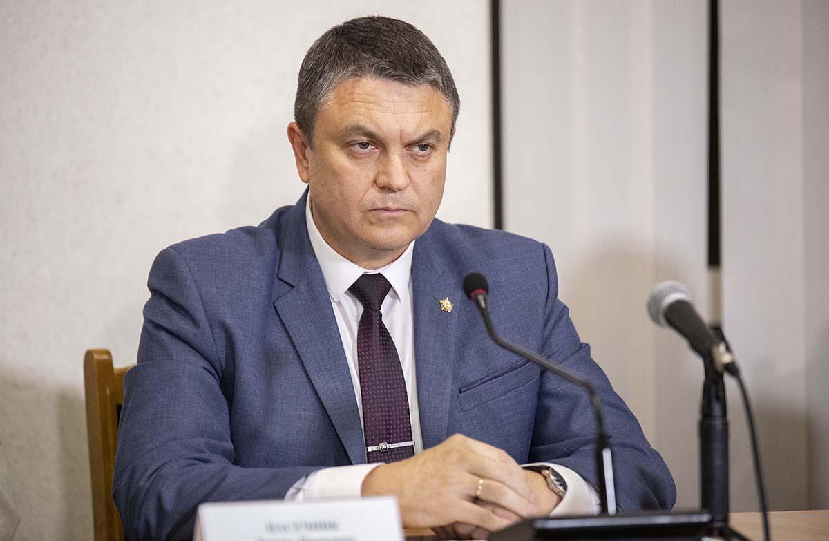 Итоговый круглый стол «С Россией едины!» прошел в Луганске 10