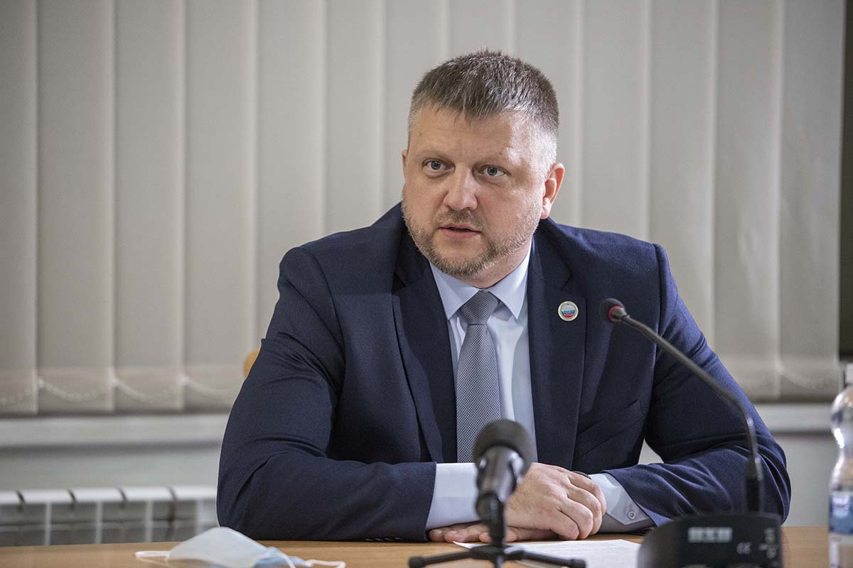 Итоговый круглый стол «С Россией едины!» прошел в Луганске 11