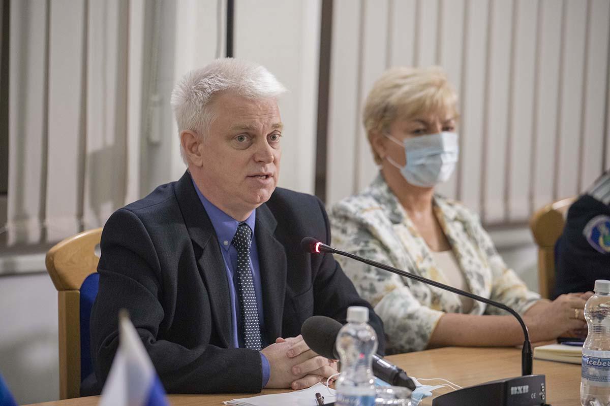 Итоговый круглый стол «С Россией едины!» прошел в Луганске 9