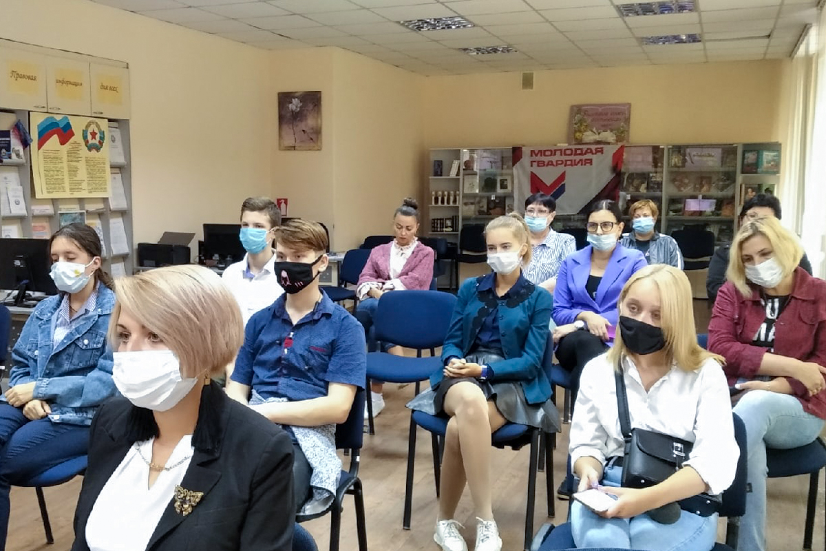 В Алчевске прошёл тематический час, посвящённый Международному дню памяти жертв фашизма