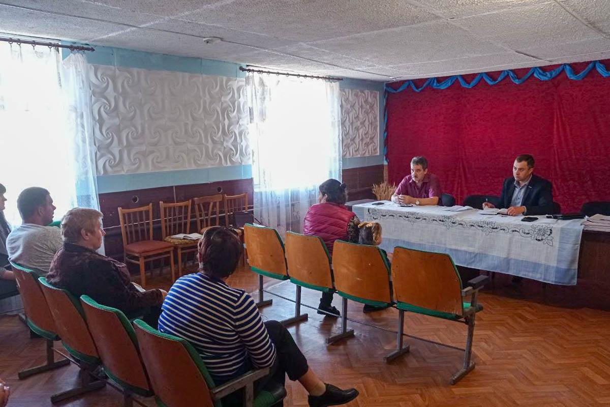 Владимир Санкин в рамках проекта «Парламентский час» встретился с жителями села Волнухино Лутугинского района