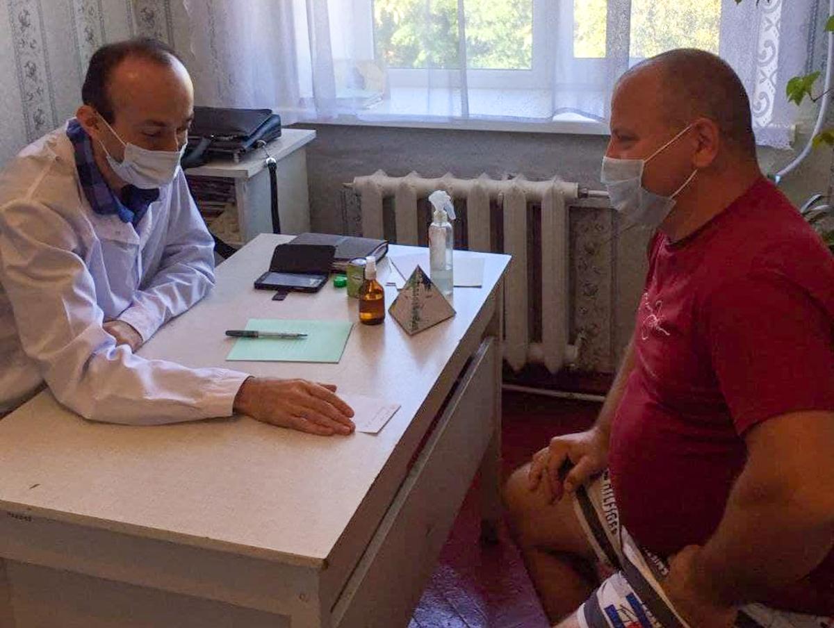 Выездная бригада врачей провела День здоровья в поселке Лозовский