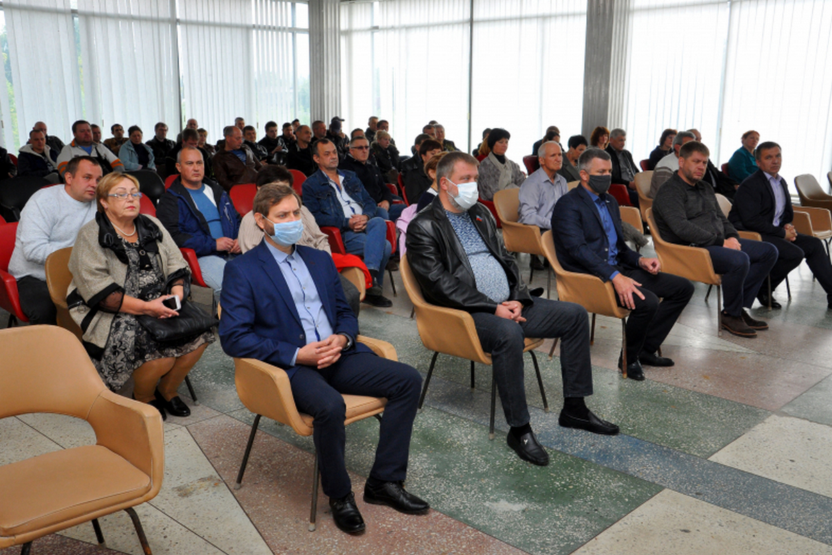 В Свердловске поощрили представителей машиностроительной сферы региона 1