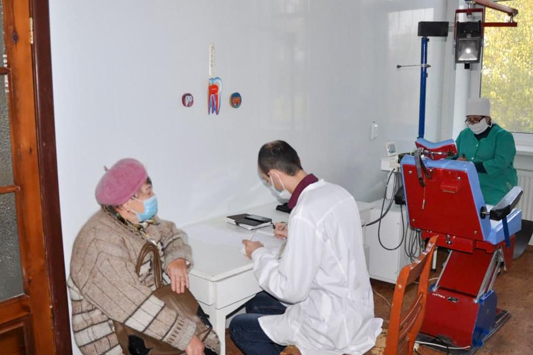 В рамках акции «День здорвья» медики из Луганска провели выездные приёмы для жителей Ирмино