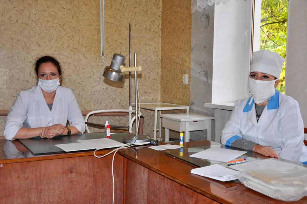 В рамках акции «День здорвья» медики из Луганска провели выездные приёмы для жителей Ирмино 2