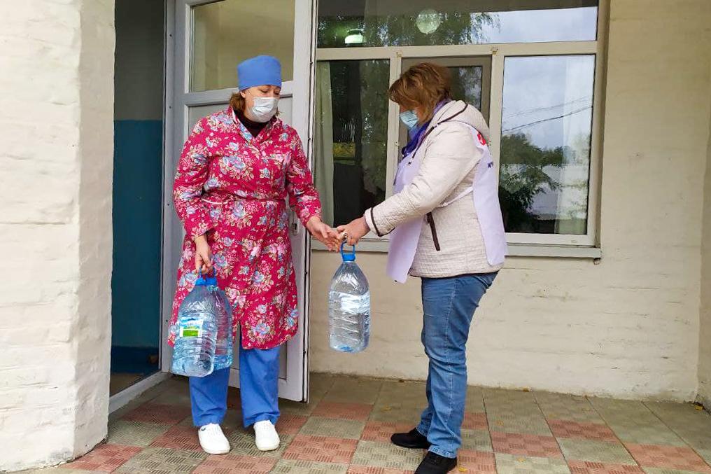 Активисты ОД «Мир Луганщине» помогли жителю города Зимогорье 1